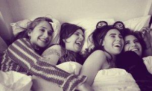 ¿Deben los adolescentes buscarse la vida por su cuenta como ocurre en la serie Girls?
