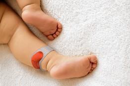 Sproutling desarrolla un monitor de los signos vitales para bebé que funciona como un brazalete.