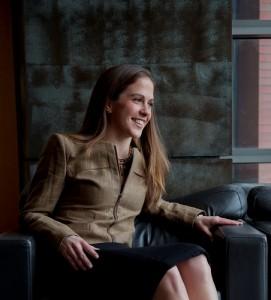 Cassie Mogilner: pequeños momentos que surgen en el día a día, puedan producir tanta felicidad como los momentos extraordinarios.