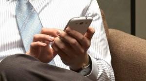 Aunque casi la mitad de los trabajadores encuestados dijo que la tecnología digital les ayudaba a hacer mejor su trabajo, 35% señaló que aumentó el número de horas que trabajan