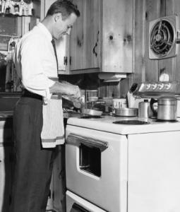 Para las mujeres es importante que los hombres sean atractivos y sepan hacer tareas domésticas.