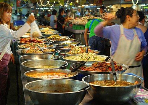Thai_market_food_01